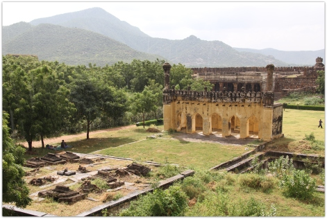 tombs at Sidhout fort